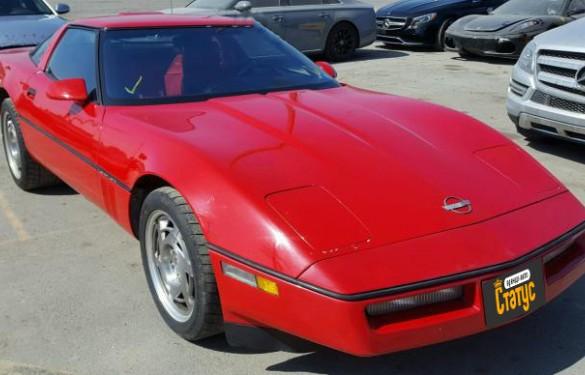 Ретро авто Chevrolet Corvette 90