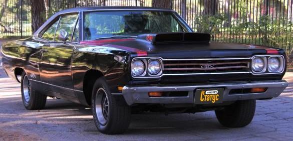 Ретро авто Plymouth GTX 69