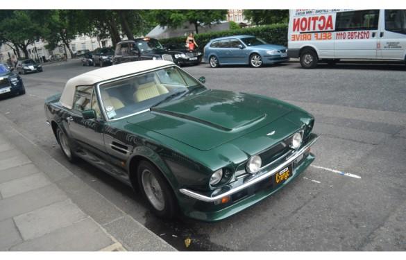 Автомобили с водителем Aston Martin V8 Vantage