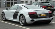 Audi R8 5.2 - фото сбоку