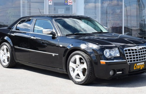 Авто бизнес класса Chrysler 300C 5.7 V8