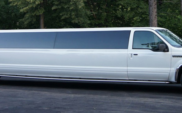 Лимузин Ford Excursion-limo 2008