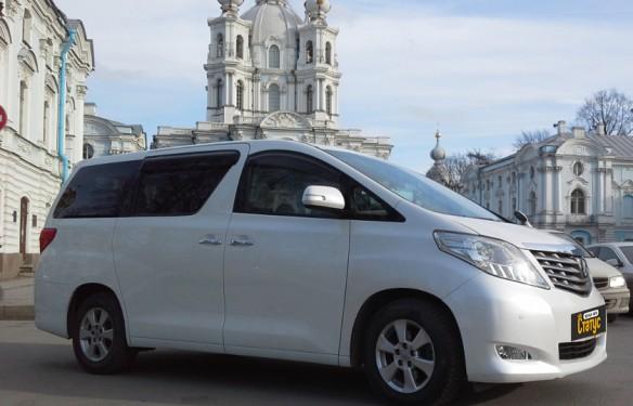Минивэн Toyota Alphard 7
