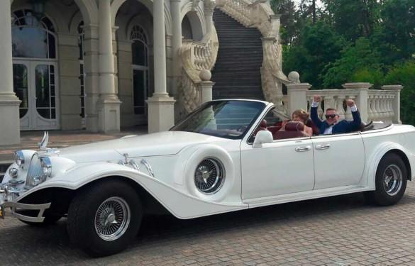 Ретро авто Excalibur Phantom