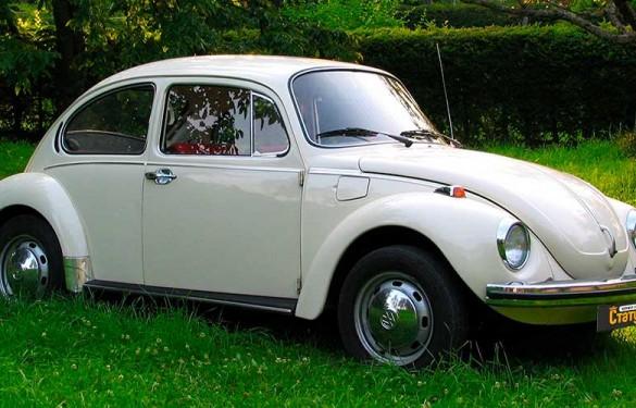 Ретро авто Volkswagen Beetle