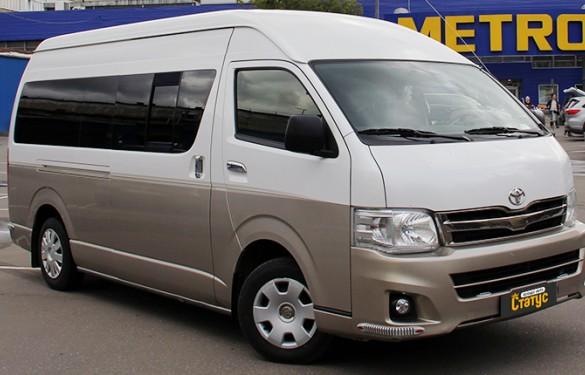 Минивэн Toyota Hiace